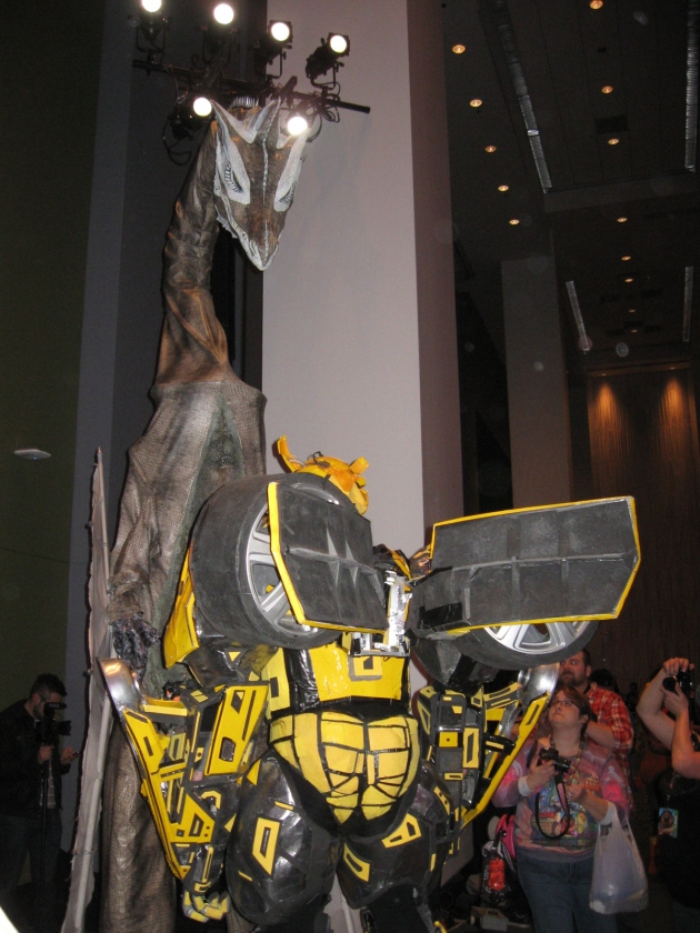 Dragon vs. Bumblebee! Steel-cage match!