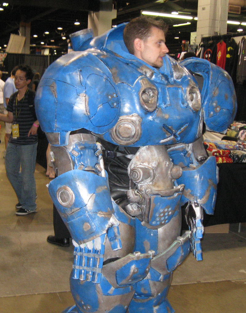 Wizard World Chicago 2014 Photos, Part 5 of 7: Last Call for Costumes « Midlife Crisis Crossover!