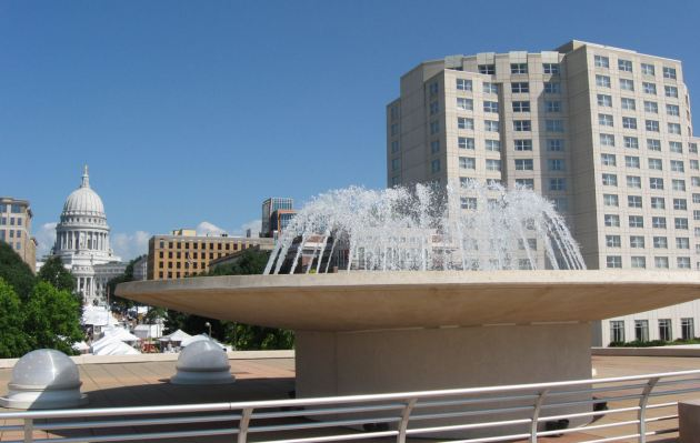 Monona Terrace Rooftop Fountain!