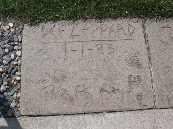 Def Leppard!