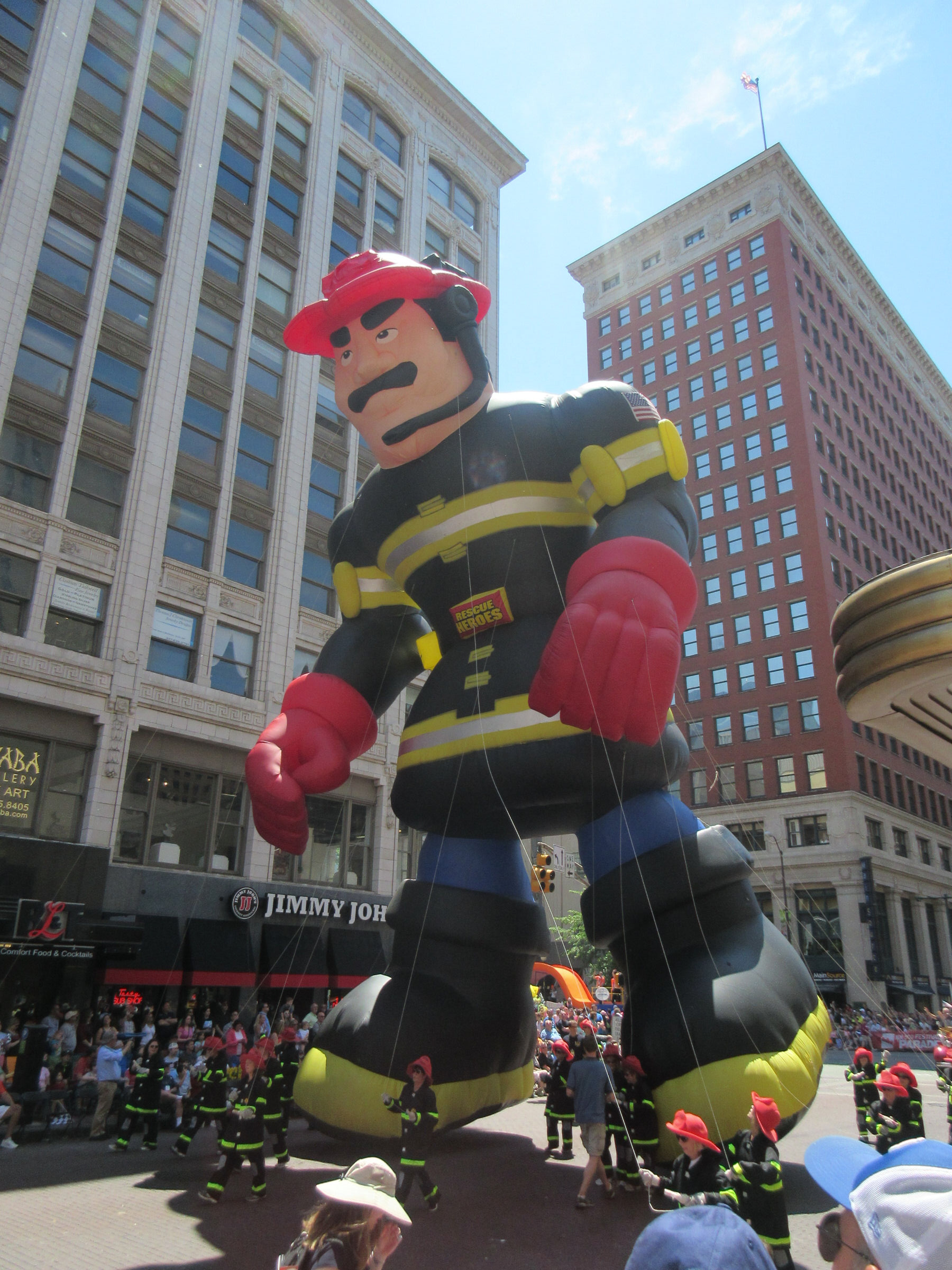 Firestone Indy 500 >> Indy 500 Festival Parade 2015 Photos, Part 4 of 6: Floats and Balloons « Midlife Crisis Crossover!