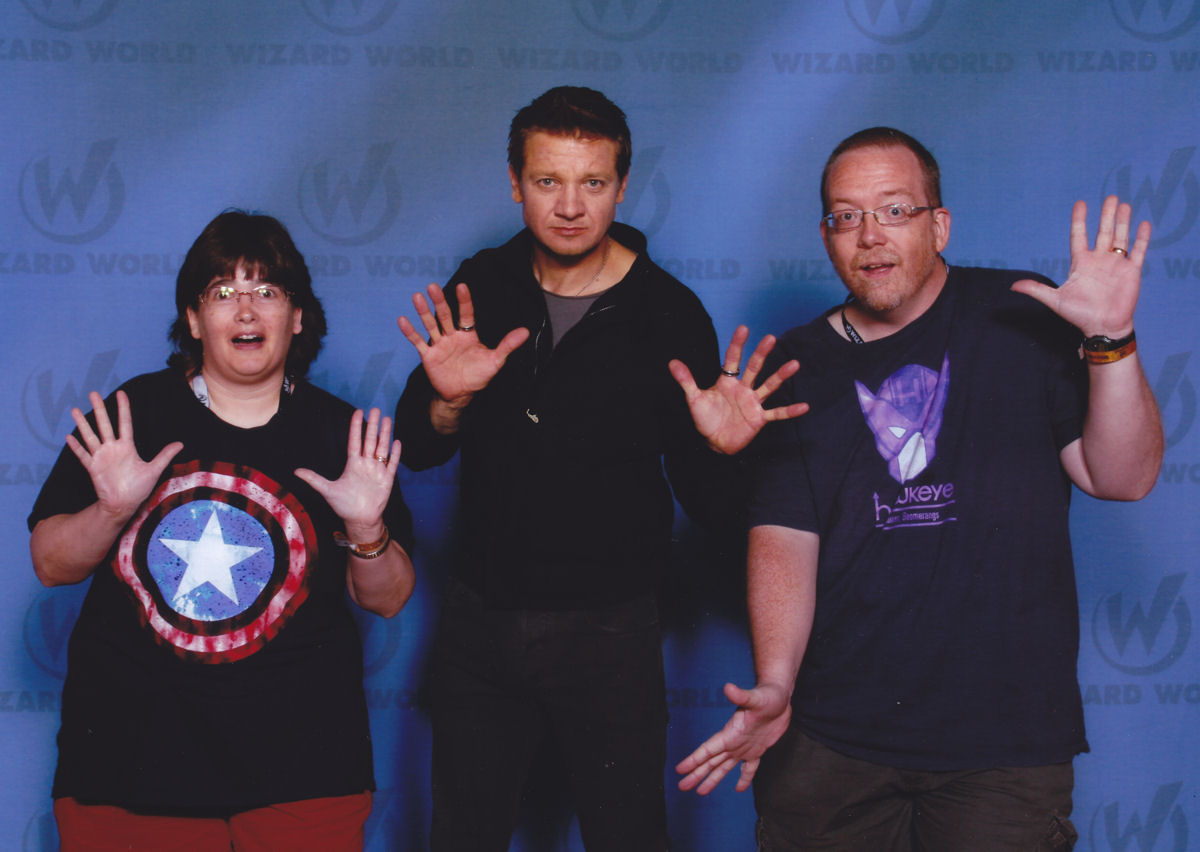 4d765c161 Wizard World Chicago exclusive: two-time Academy Award Nominee Jeremy  Renner sighted in public with a pair of flighty goofballs.