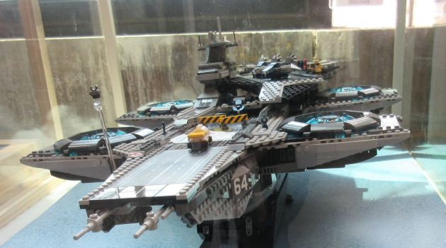 Lego SHIELD Helicarrier!