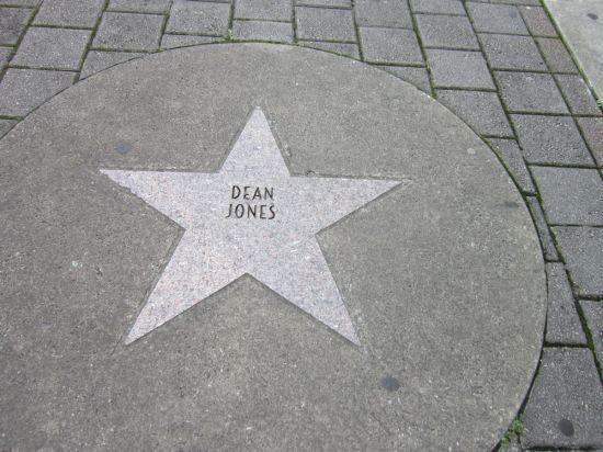 Dean Jones!
