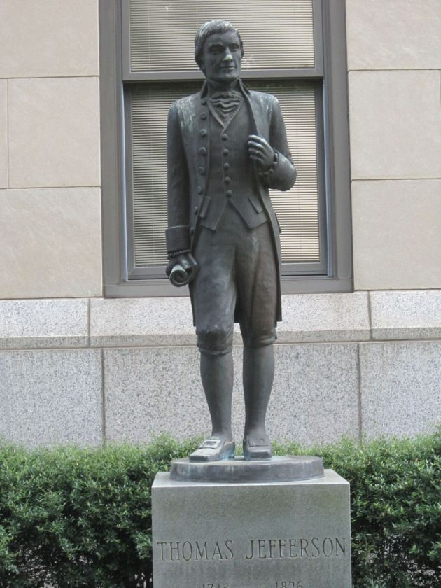 Thomas Jefferson statue!