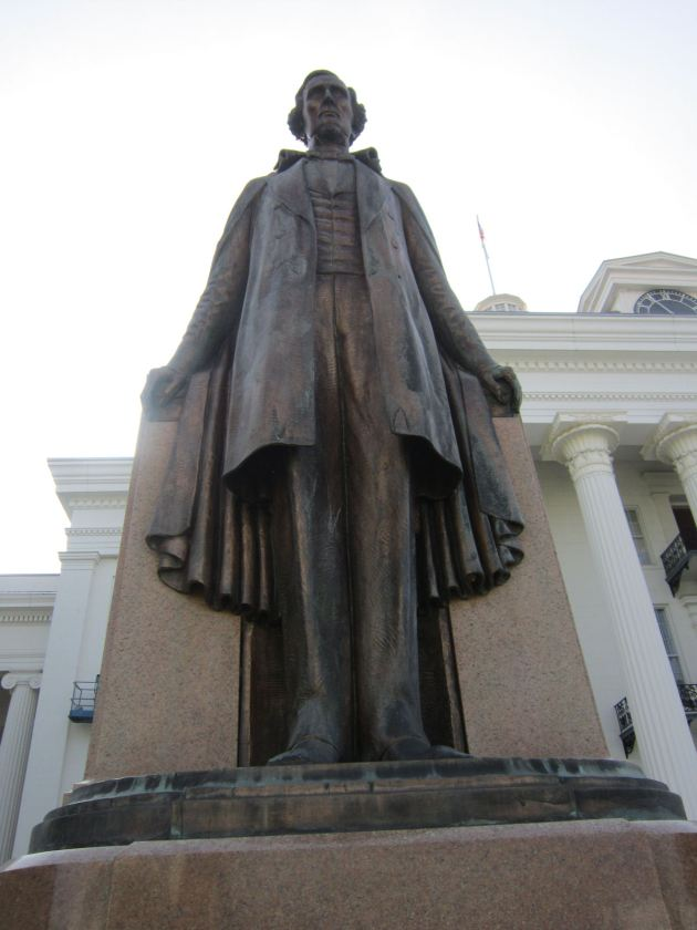 Jefferson Davis Statue!