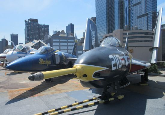 Grumman F9F-8 Cougar!