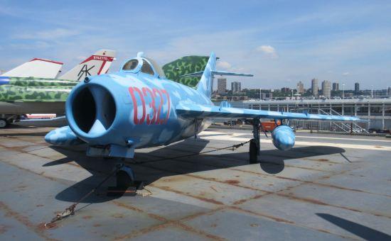 MiG-17!