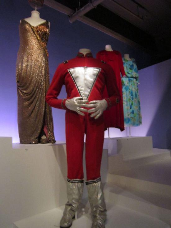 Mork suit!
