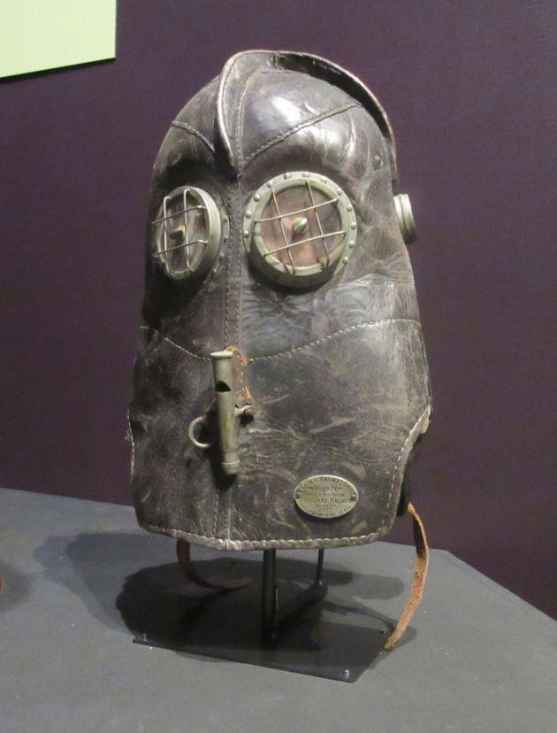 Vajen-Bader smoke helmet!