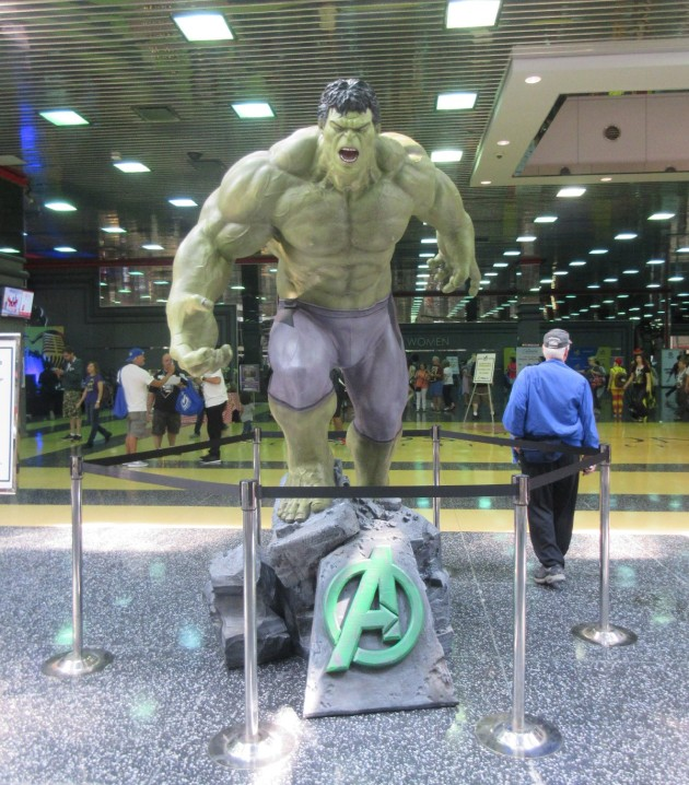 Hulk statue!