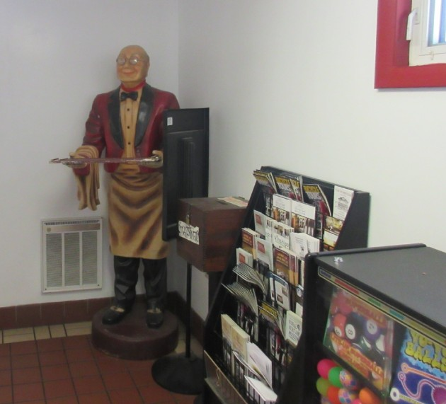 Waiter statue!