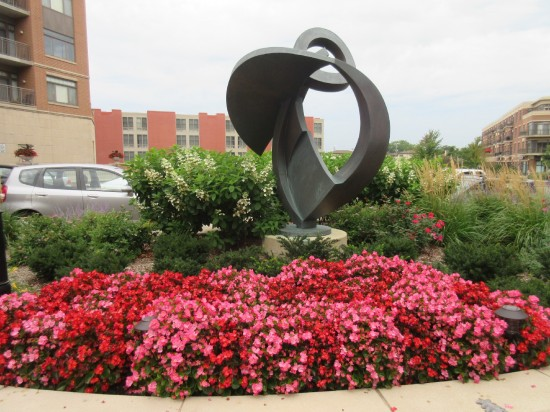 Sculpture + Flowers!