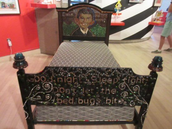 Alfred E. Neuman bed!