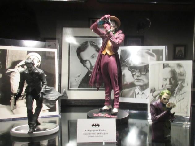 Joker statues!