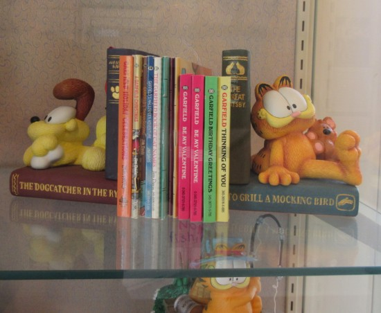 Garfield and Odie bookends!