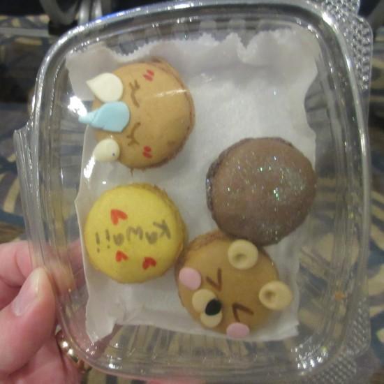 Crumby Art macaroons!