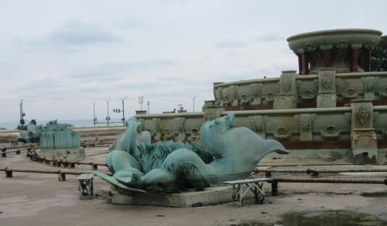 Buckingham Fountain seahorse!