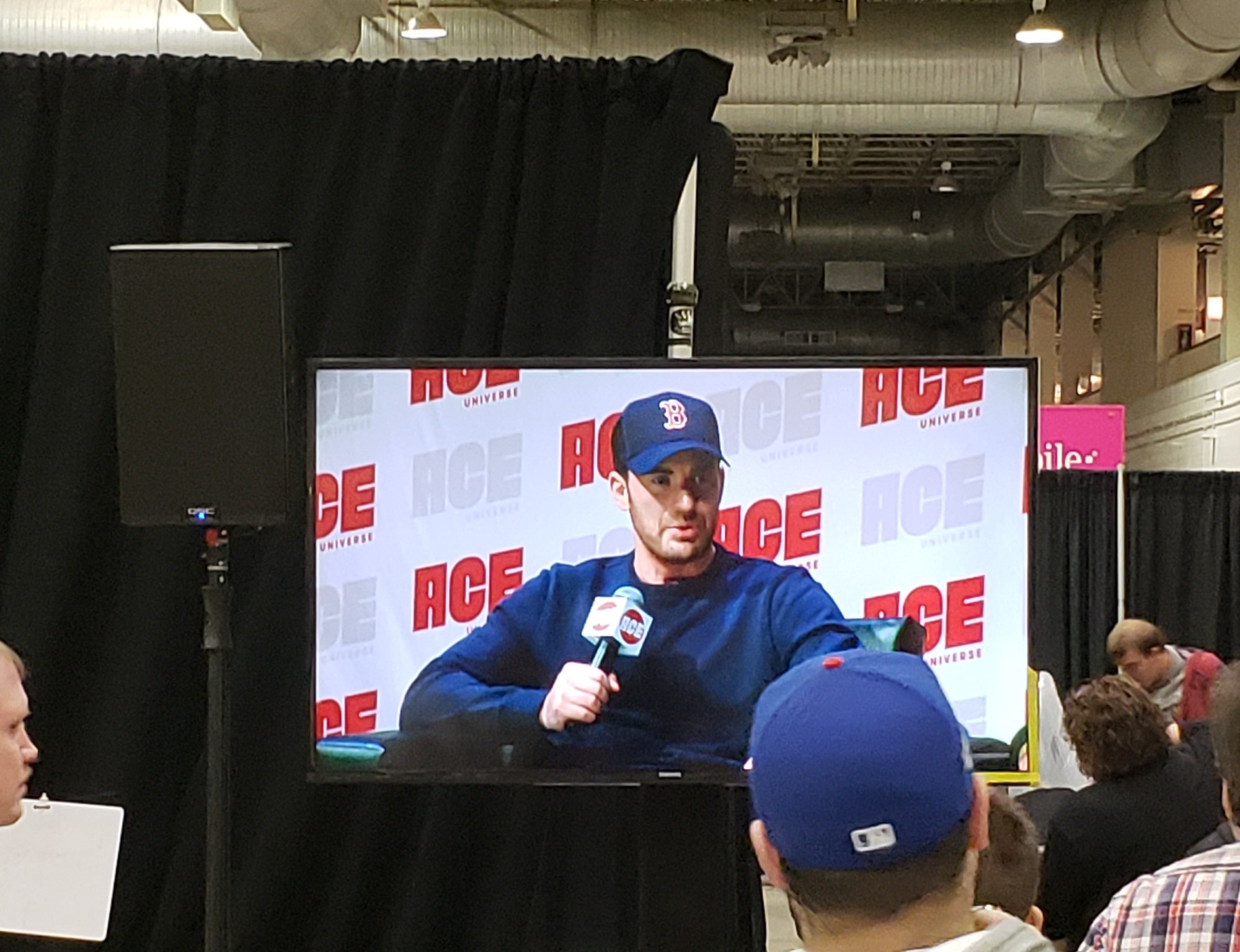 Our Ace Comic Con Midwest 2018 Photos « Midlife Crisis