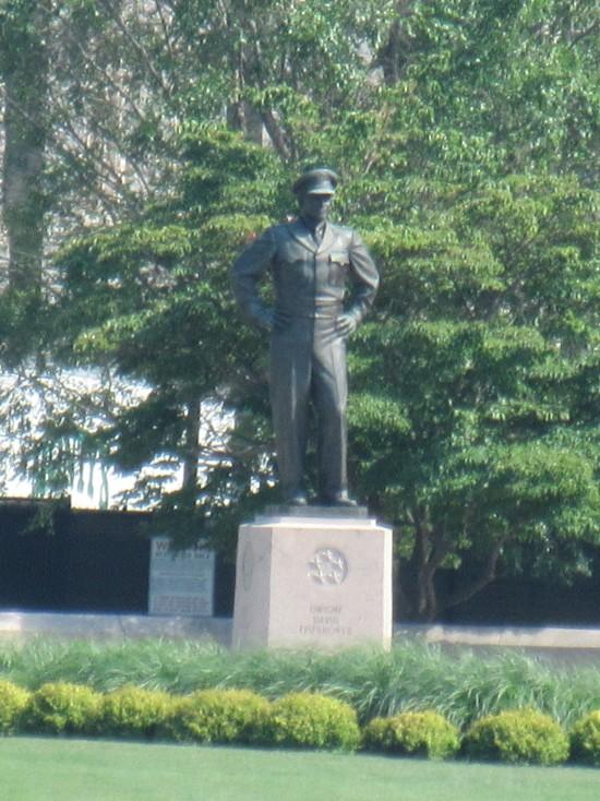 Eisenhower statue!