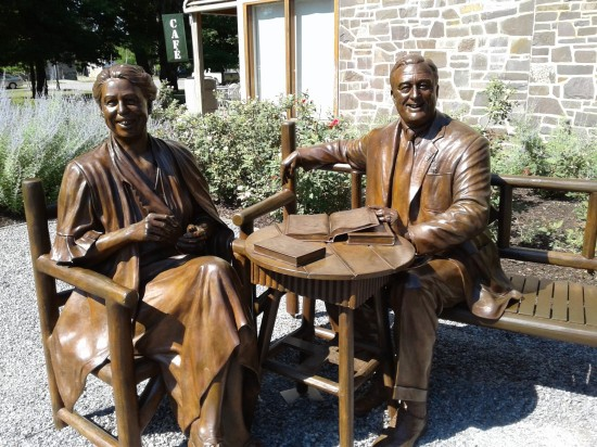 Roosevelts statues!