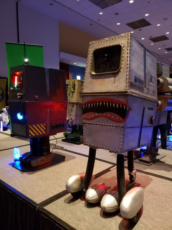 Gonk custom droids!