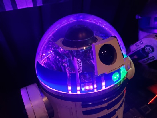 purple light-up astromech!