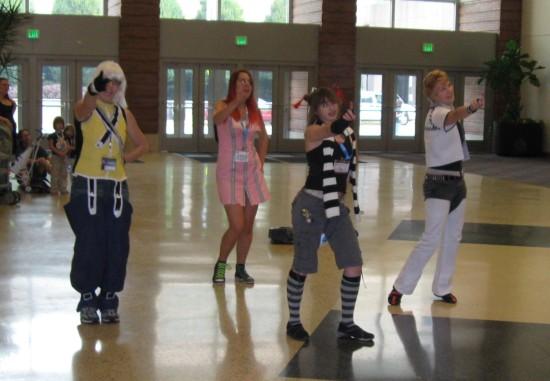Cosplay Dancers!