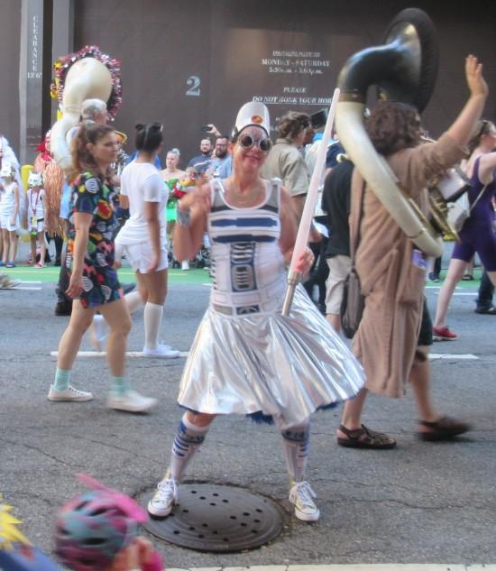 Dancing Artoo!