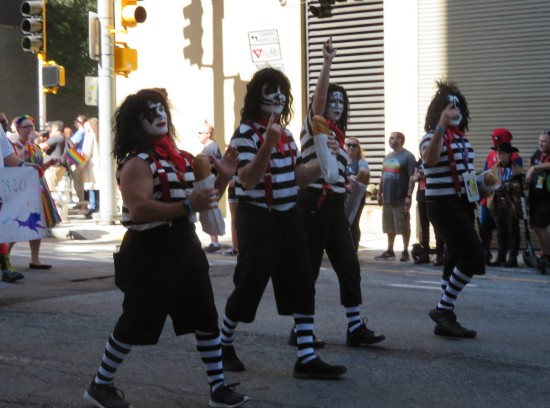 KISS Mime Army!
