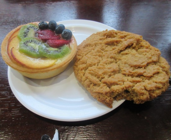 fruit tart and peanut butter cookie!