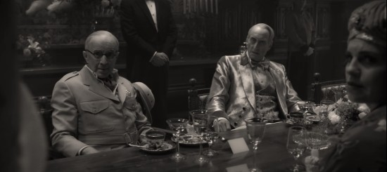 """Arliss Howard and Charles Dance in """"Mank""""."""