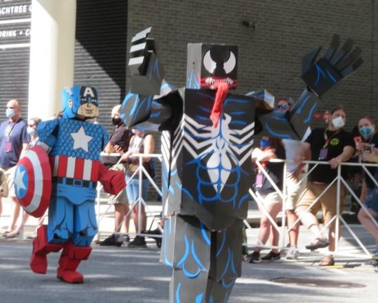 blocky Venom and Captain America cosplay!