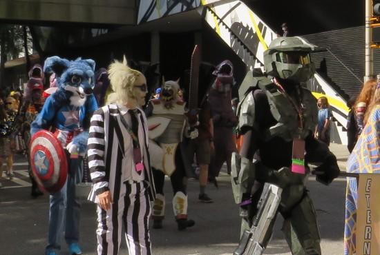 furry Cap Beetlejuice Master Chief cosplay!
