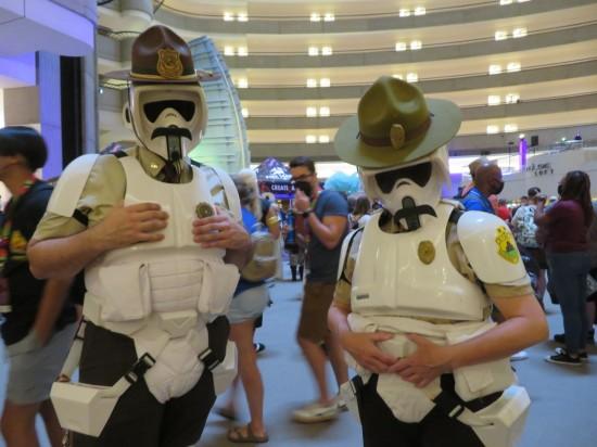 Super Stormtroopers cosplay!