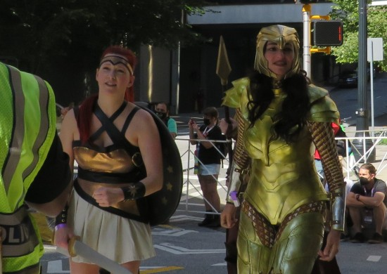 Wonder Woman 1984 cosplay!